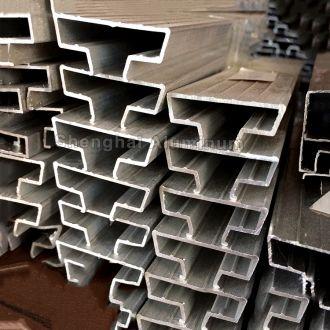 SH-DS-005 Lightweight Aluminum Slatwall Insert